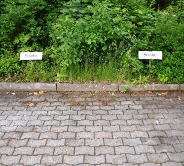 Besucherparkplatz nur mit deutschem Kennzeichen