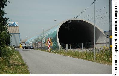 Der Tunnel in der Ebene